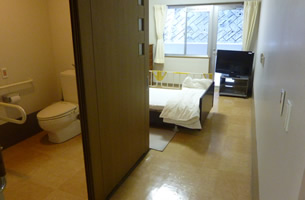 居室 (個室18室、多床室1室)